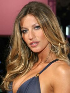GISELLE BUNDCHEN MECHAS CALIFORNIANAS