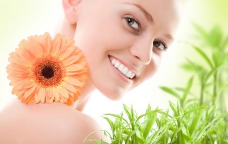 sonrisa y flor