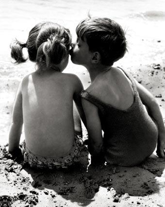 besos-dos-niños