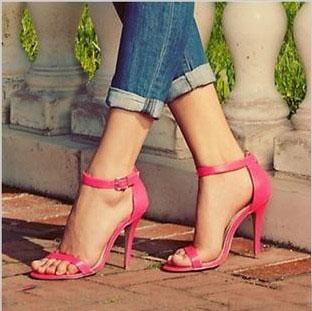 pies sandalias 0