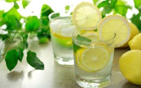 silicio-agua-con-limon